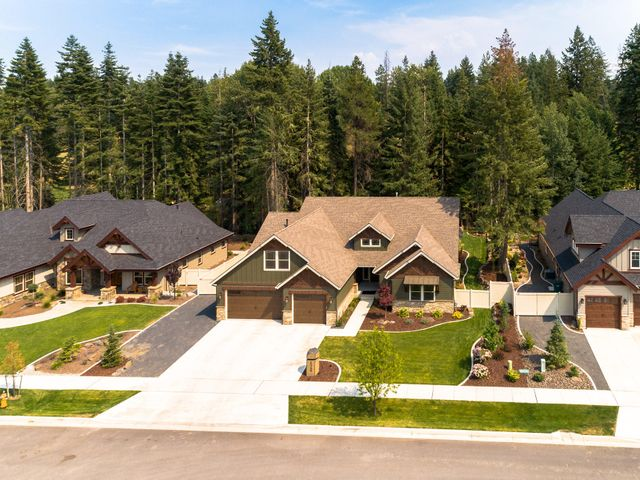 One of the best lots and location in Stone Creek!