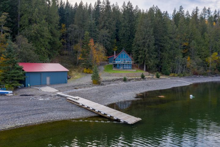 333 S Camp Bay Rd, Sagle, ID 83860