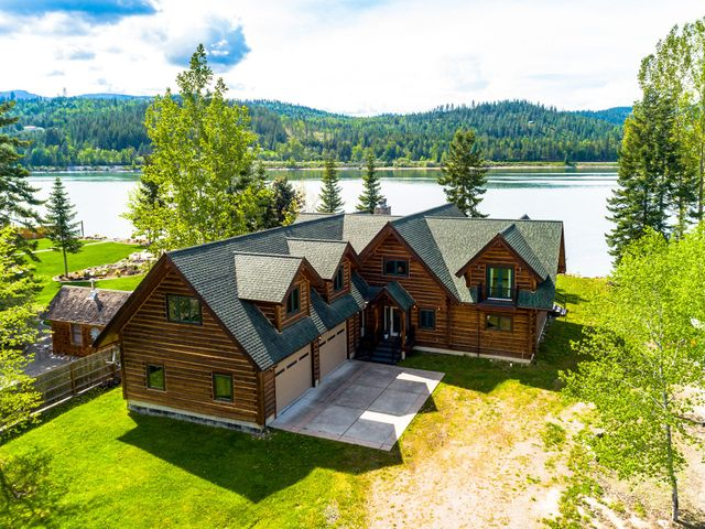 663 Evergreen Rd, Sagle, ID 83860