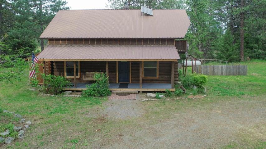 649 Bear Rd, Priest River, ID 83856