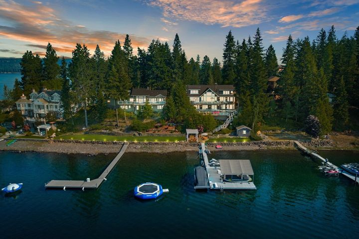 The Driftwood - 2 Homes - Main home completely remodeled for today's modern family. Together two homes on over 1.7 acres with 250' of waterfront, 2 docks