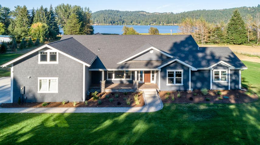 11714 Hauser Lake Rd, Hauser, ID 83854