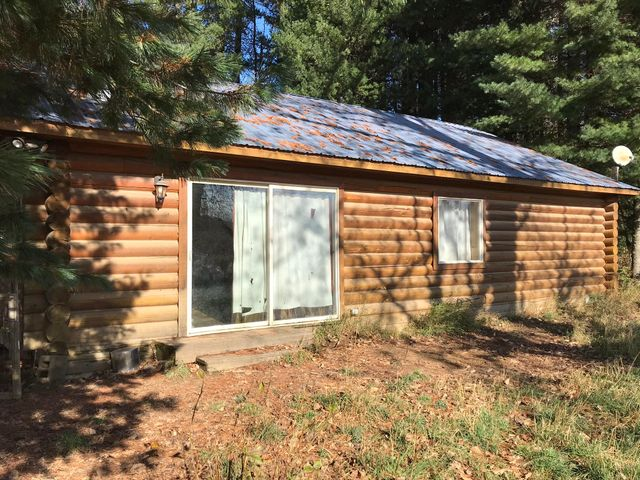 2081 Peninsula Rd, Priest River, ID 83856