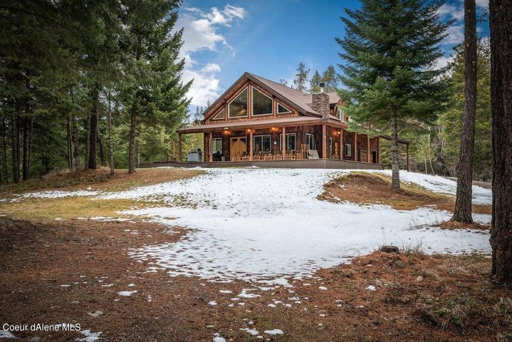 Hidden Paradise in the Heart of Careywood, Idaho - Impressively large - 2,789 square feet Custom Home