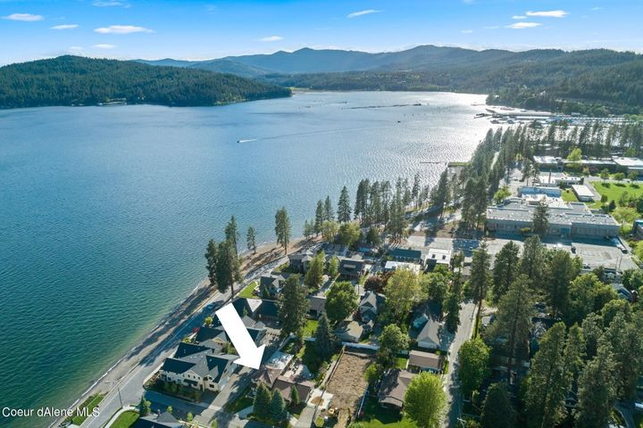 Inviting and welcoming home right in the Ft Grounds just 200' from the lake and beach! 4 Bedrooms, nearly 5000 SF on generous .34 acre parcel. Great location!