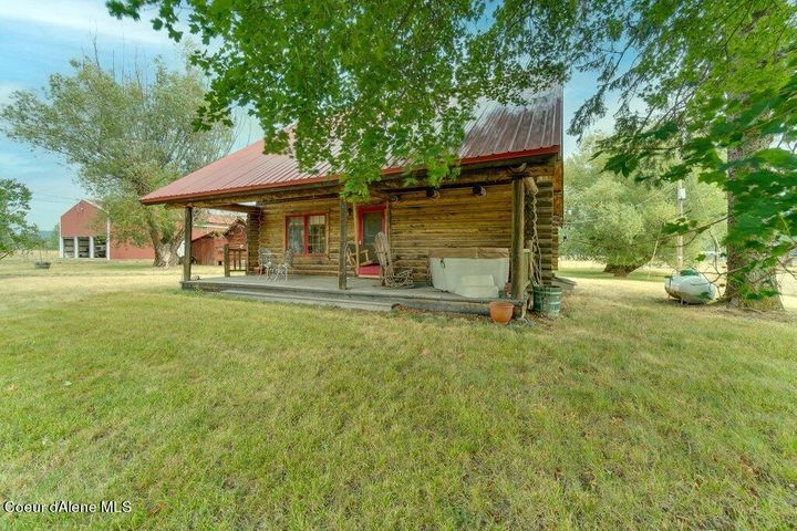Rustic style. Welcome Home!