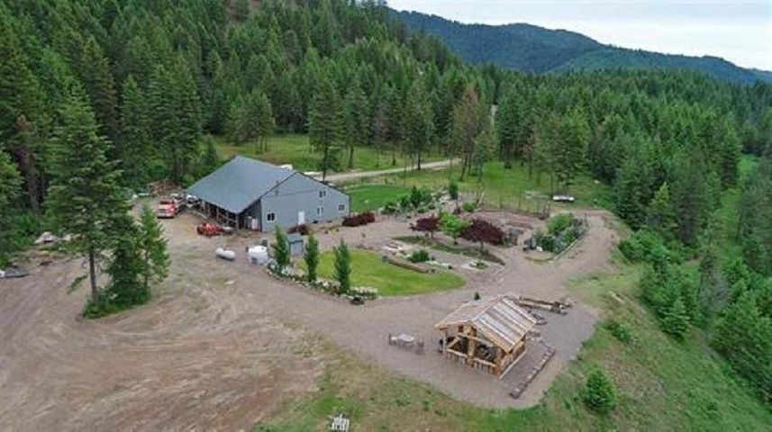 6071 Bead Lake Rd, Newport, WA 99156