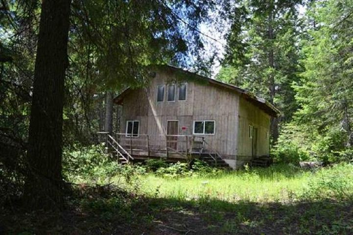 6071 Bead Lake Rd, Newport, WA 99156