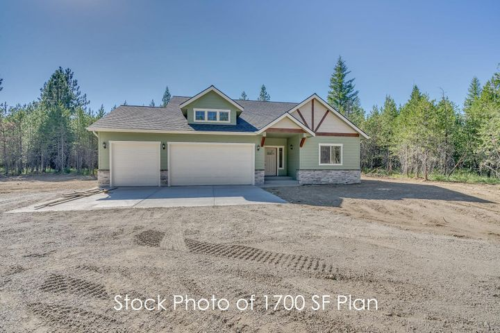 2267 E War Eagle Ave, Athol, ID 83801