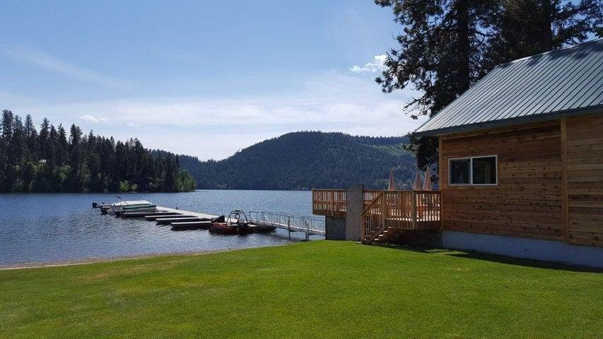 7712 W Spirit Lake Rd, Spirit Lake, ID 83869