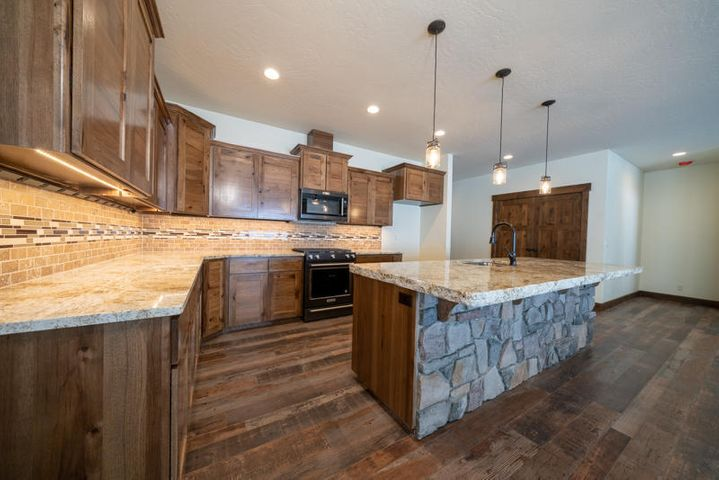 1390 W Wayward Circle, Post Falls, ID 83854