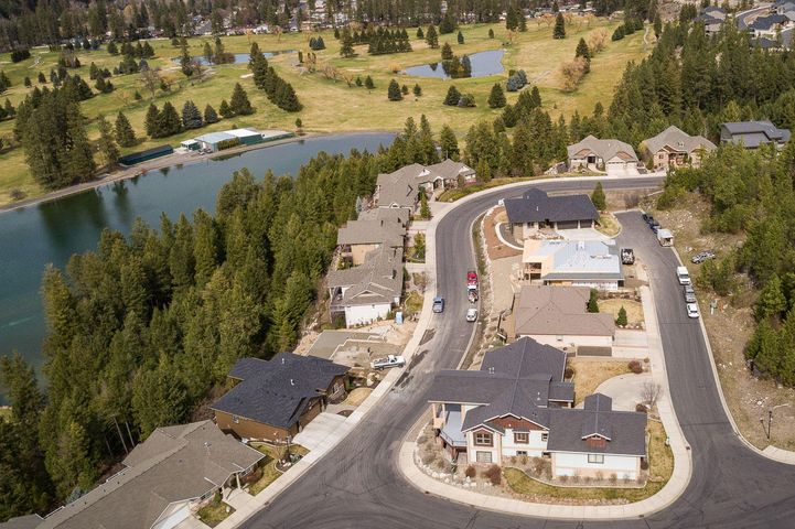 13503 N Golf View Ln, Spokane, WA 99208