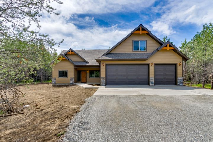 Come live the North Idaho dream in The Reserve at Twin Lakes and enjoy the convenient location of this desirable neighborhood with close proximity to the lake! This custom to be built home features 2093 sq ft with 3 bedrooms and 2 bathrooms and a bonus room. Desirable split bedroom design, open floor plan with a spacious living room w/ cozy fireplace opening to the dining area and kitchen featuring granite counters, a center island and pantry. Large master suite with walk-in closet and private bathroom with tiled walk-in shower. This home features laminate, carpet and vinyl throughout, natural gas and an attached 3 car garage. We have other lots and floor plans available!