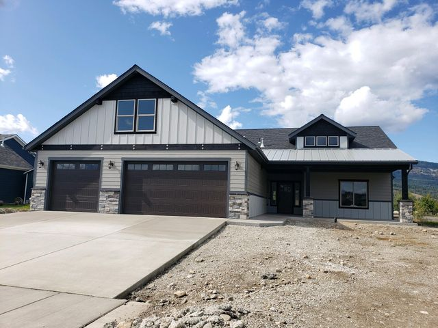 Brand New beautifully constructed water front home in Radiant Lake is ready to welcome it's new owners. It comes complete with Huntwood cabinets, pull out drawers in the lower cabinets. Beautiful Main floor Master that opens onto the back covered Patio. 2 other bedrooms and a den also located on main level. Upstairs bonus rooms has a full bath, and large closet. Wood wrapped windows throughout, Gas Stone Fireplace, Granite laminate wood floors, and Pantry. This home has it all! Landscaping is not complete but both front and back landscaping are included in the sales price. More photo's coming soon!