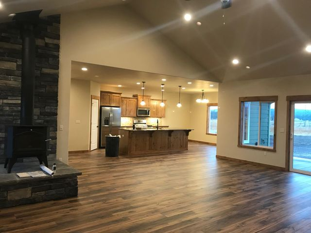 Live the North Idaho Lifestyle with this beautiful custom home on 5 acres. ''The Reserve at Twin Lakes'' Great location just minutes from town and close proximity to Twin Lakes! Knotty Alder cabinets with soft close drawers throughout with Granite counter tops in the kitchen and bathrooms. Mud set tile shower in the master.   Easy to set up a meeting to customize your new home today! File photos used for marketing purposes.