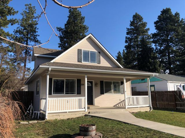 205 E 14TH AVE, Post Falls, ID 83854