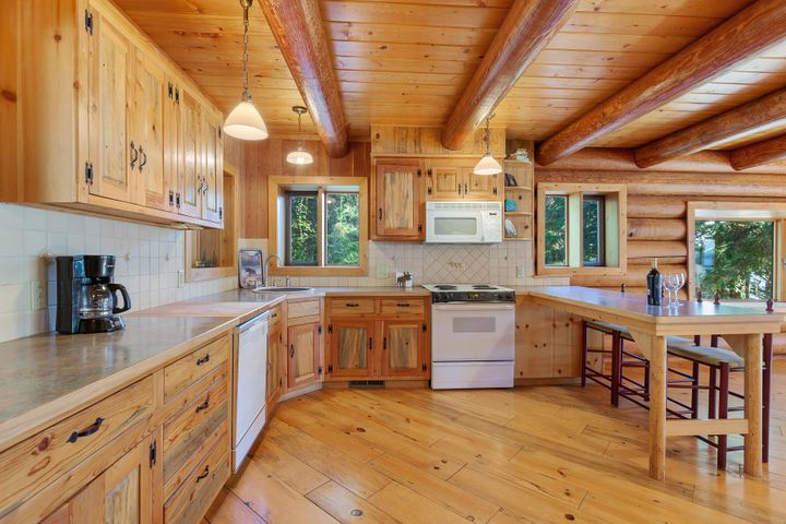 216 S Sandy Shores Ln, Coolin, ID 83821