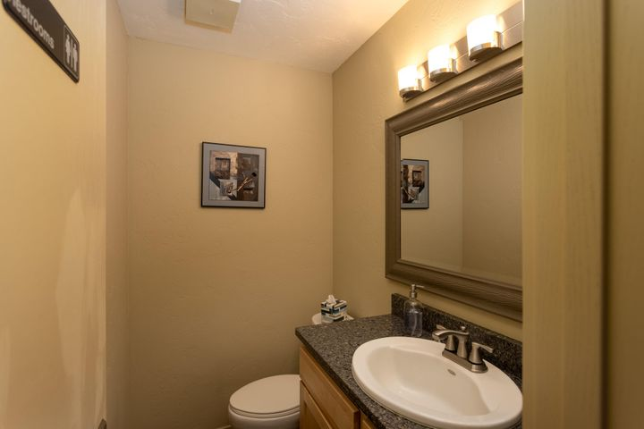 312 S 1st Ave, Sandpoint, ID 83864