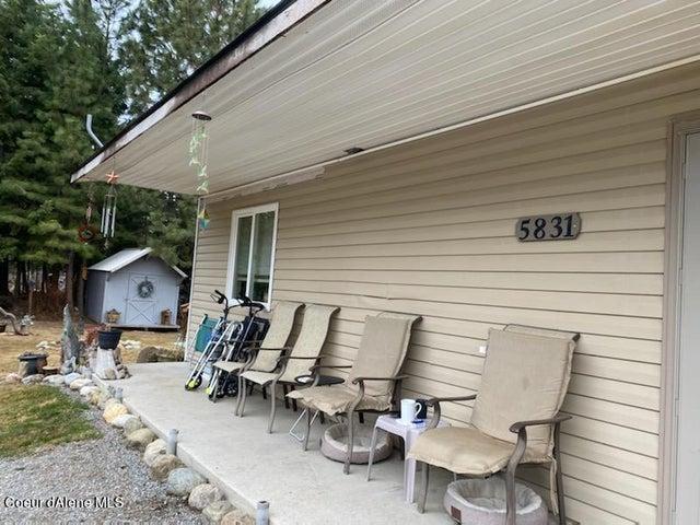5831 W Monroe St, Spirit Lake, ID 83869
