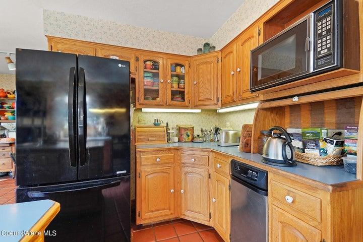 76 Baker Rd, Athol, ID 83801