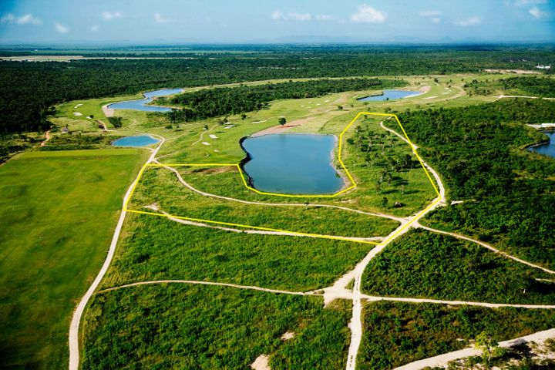 2 Vista Lago, Casa de Campo,