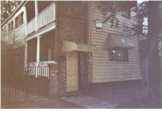 21  America Street Charleston, SC 29403