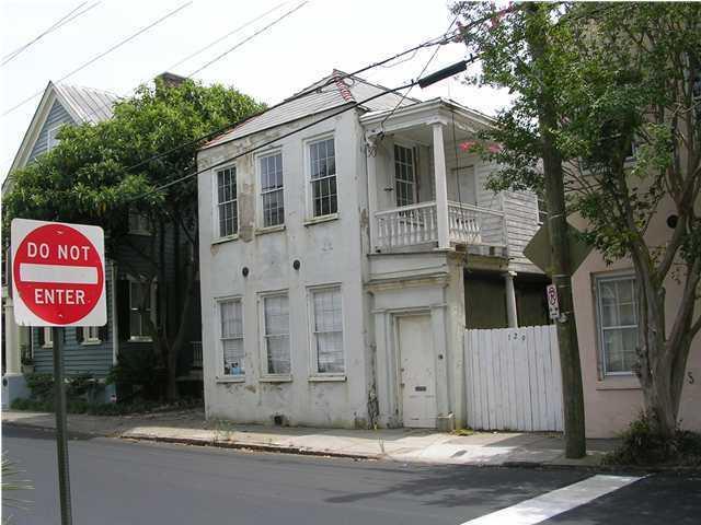 129  Queen Street Charleston, SC 29401