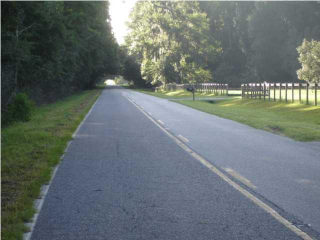6166  Old Jacksonboro Road Ravenel, SC 29470