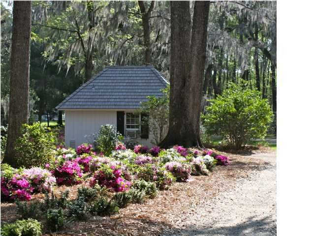 3220  Wiggins Road Green Pond, SC 29446