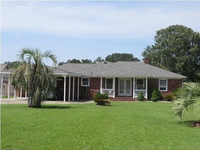 1206 Waters Edge Drive Summerton, SC 29148
