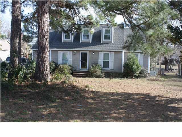 670  Williamson Drive Mount Pleasant, SC 29464