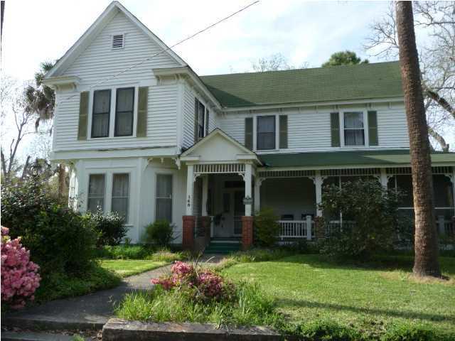 140 Oak Street Mcclellanville, SC 29458