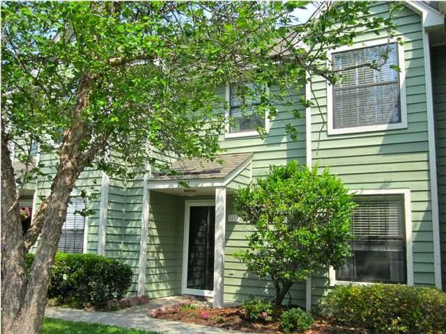 1681  Hunters Run Drive Mount Pleasant, SC 29464