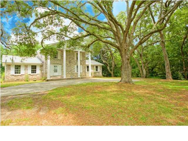 61  Vincent Drive Charleston, SC 29464