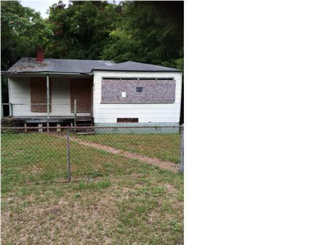 2618 Stark Lane North Charleston, SC 29405