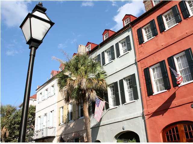 24 Queen Street Charleston, SC 29401