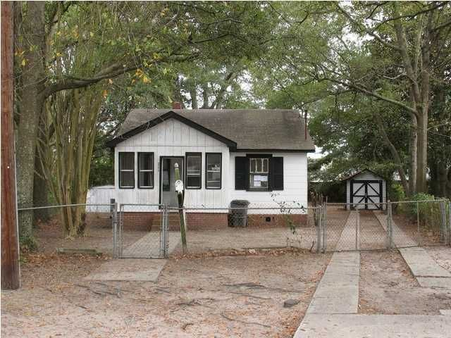 3772 Hottinger Avenue North Charleston, SC 29405
