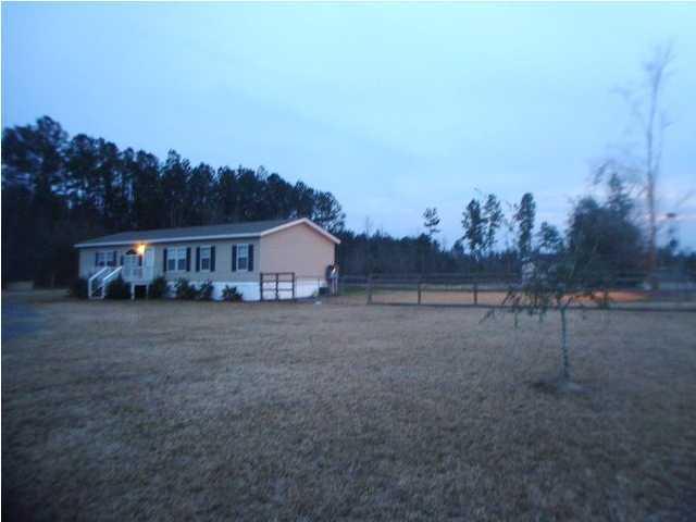 1530  Bazzle Road Cottageville, SC 29435