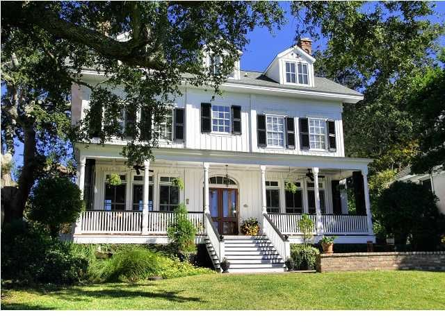 200 Bank Street Mount Pleasant, SC 29464