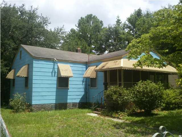 2386 Cambridge Avenue North Charleston, SC 29405