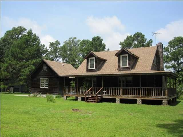 8954  Old Georgetown Road Mcclellanville, SC 29458