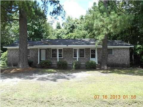 2612 N Oakridge Circle North Charleston, SC 29420
