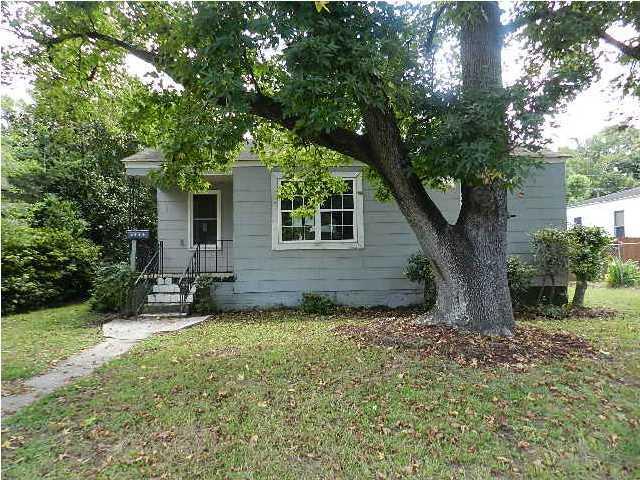 2619 Woodlawn Avenue North Charleston, SC 29405
