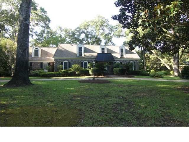 715 Knotty Pine Road Charleston, SC 29412