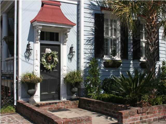 104  Queen Street Charleston, SC 29401