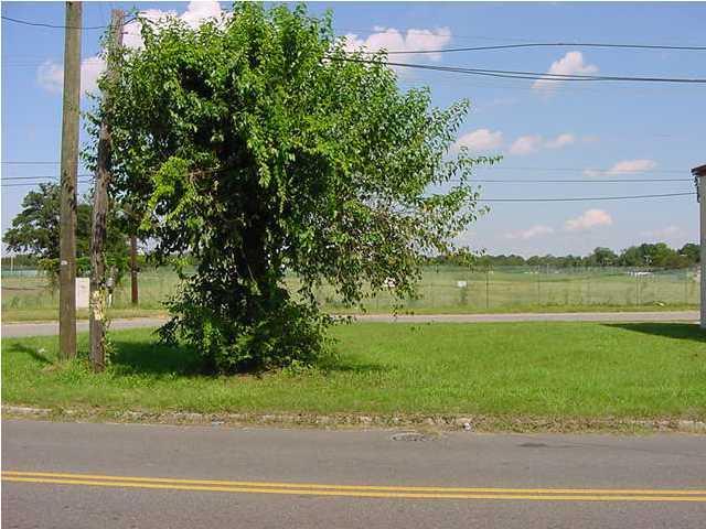 2027 Clements Avenue North Charleston, SC 29405