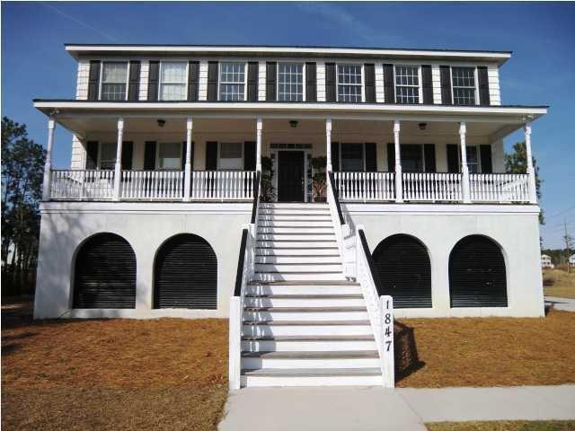 1847  Delacourt Avenue Mount Pleasant, SC 29466