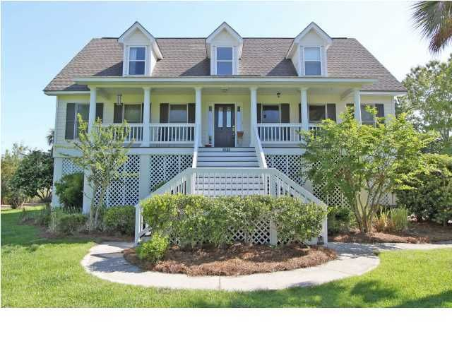 1631 Headquarters Plantation Drive Charleston, SC 29455
