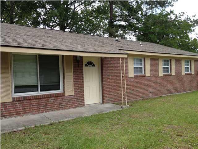 8837 Auburn Drive North Charleston, SC 29406