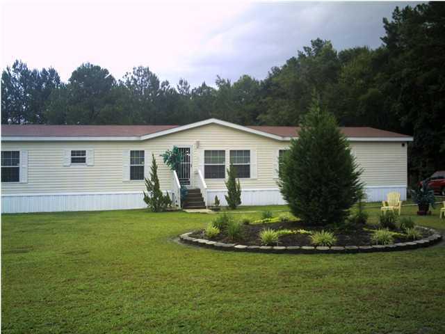 4998  Red Oak Road Cottageville, SC 29435